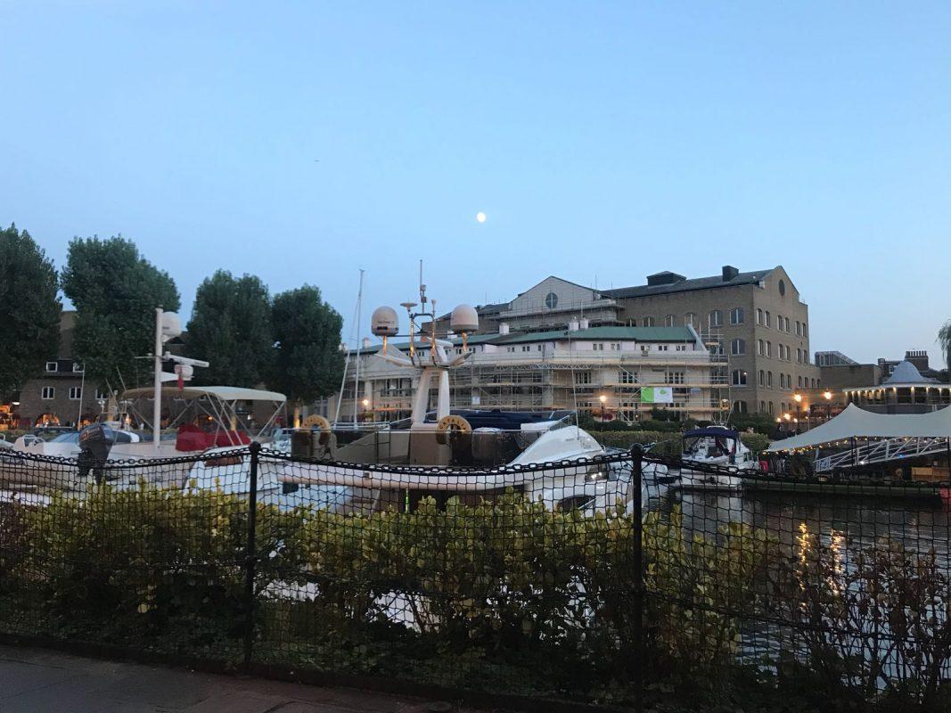 restaurant in St Katharine Docks