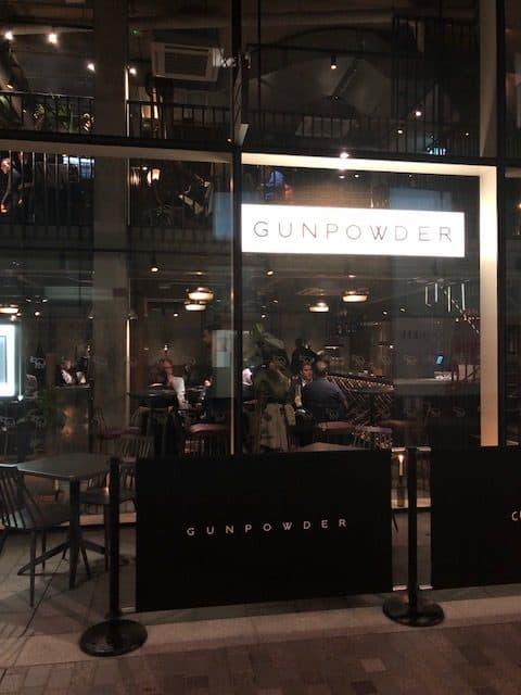restaurant in tower bridge
