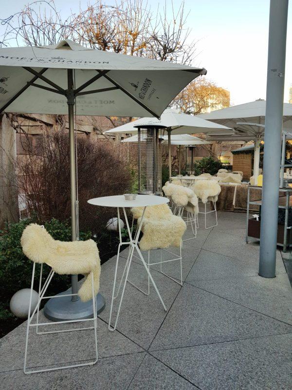 restaurant in bank