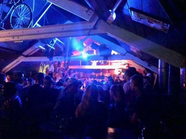 bars in queenstown